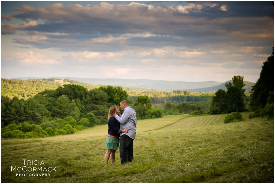 JESS & JOE'S LENOX, MA ENGAGEMENT SESSION